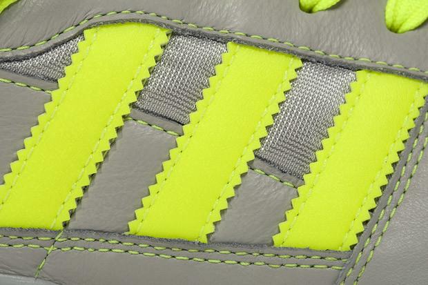 สัญลักษณ์แถบสามแถบที่ทำให้คนจดจำ Adidas ได้เป็นอย่างดี ถูกดีไซน์ขึ้นเพื่อ function