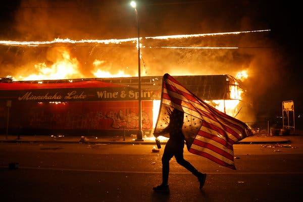 ประท้วงอย่างรุนแรงกว่า 20 เมืองทั่วสหรัฐ